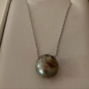 "Na Hoku Jewerly- Tahitian Pearl necklace. 20""."